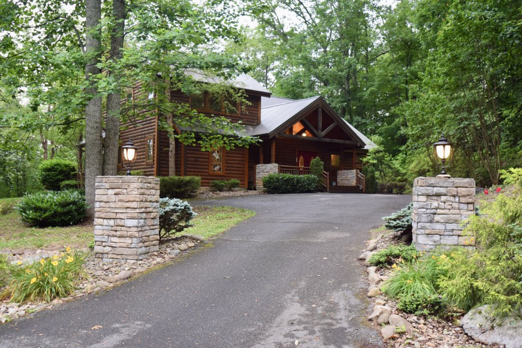 Photo of a Sevierville Cabin named Now And Forever - This is the fortieth photo in the set.