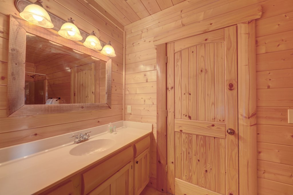 Photo of a Sevierville Cabin named Estate Of Relaxation - This is the nineteenth photo in the set.