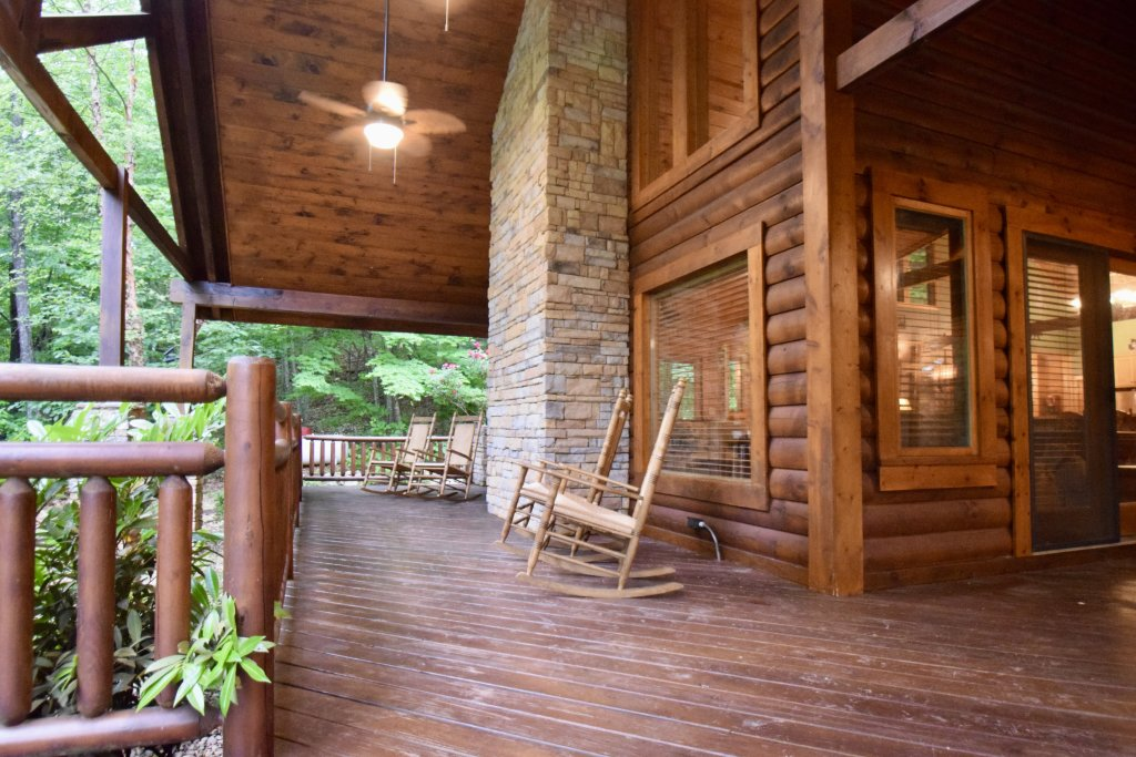 Photo of a Sevierville Cabin named Now And Forever - This is the forty-fifth photo in the set.