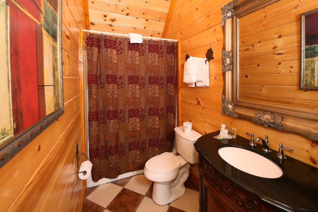 Photo of a Sevierville Cabin named Family Valley Lodge - This is the tenth photo in the set.