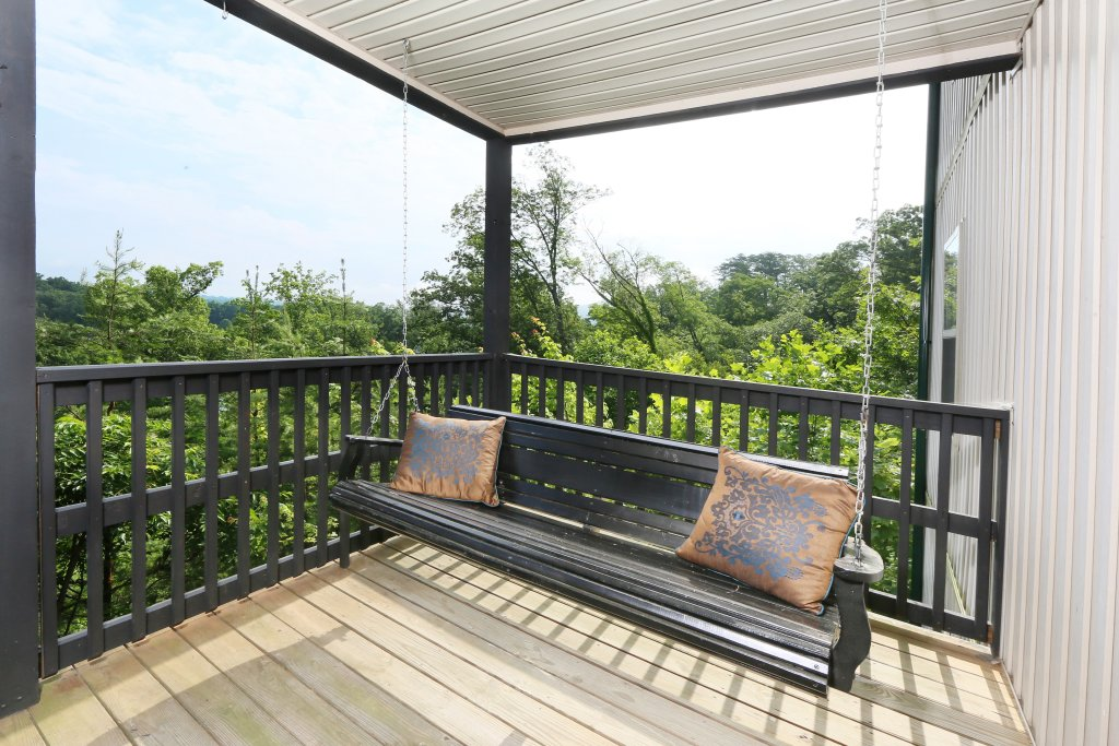 Photo of a Pigeon Forge Condo named Pinnacle View 7b - This is the twenty-fourth photo in the set.