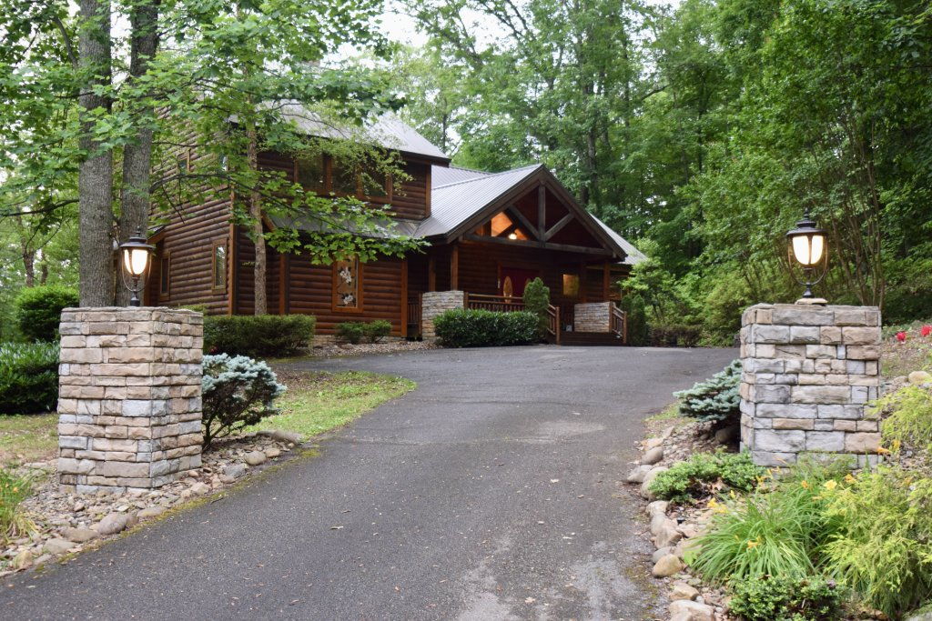 Photo of a Sevierville Cabin named Now And Forever - This is the forty-first photo in the set.