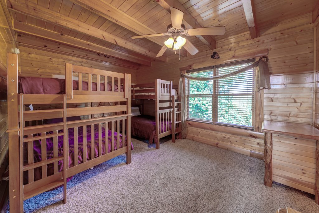 Photo of a Sevierville Cabin named Estate Of Relaxation - This is the twenty-ninth photo in the set.