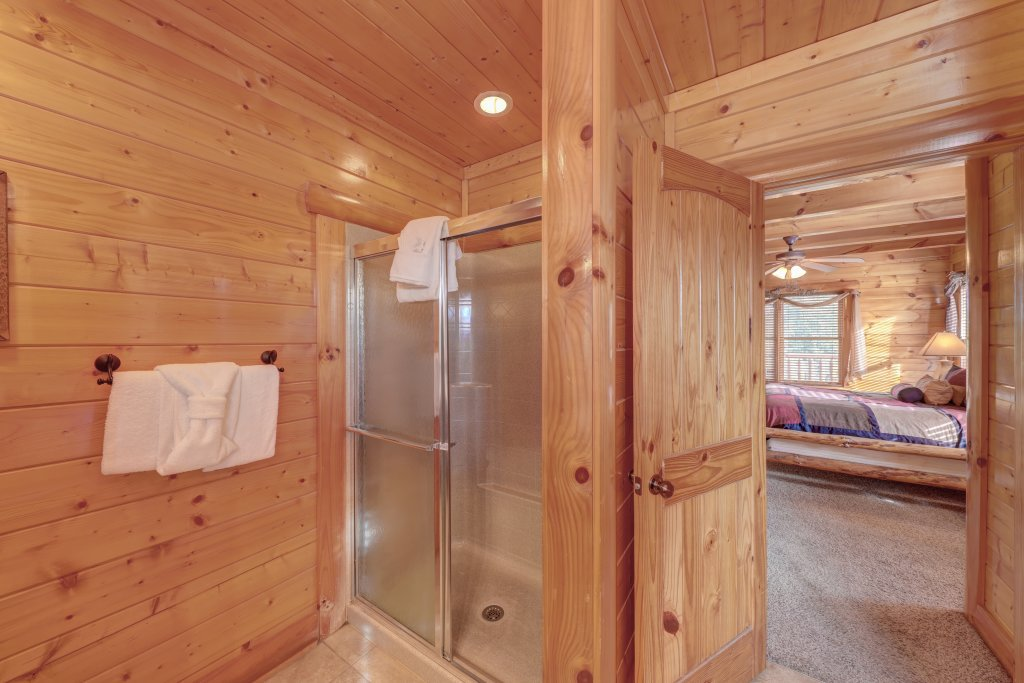 Photo of a Sevierville Cabin named Estate Of Relaxation - This is the eighth photo in the set.