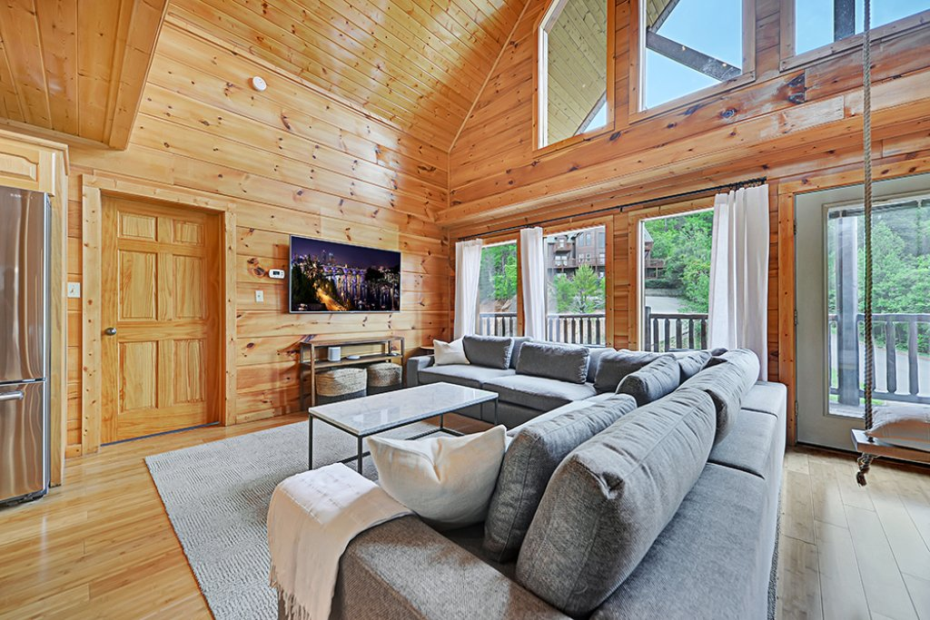 Photo of a Sevierville Cabin named Wilderness Calls - This is the second photo in the set.