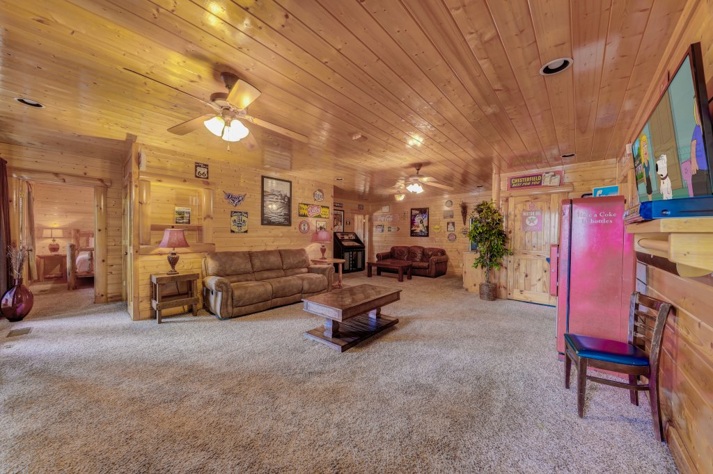 Photo of a Sevierville Cabin named Estate Of Relaxation - This is the forty-first photo in the set.