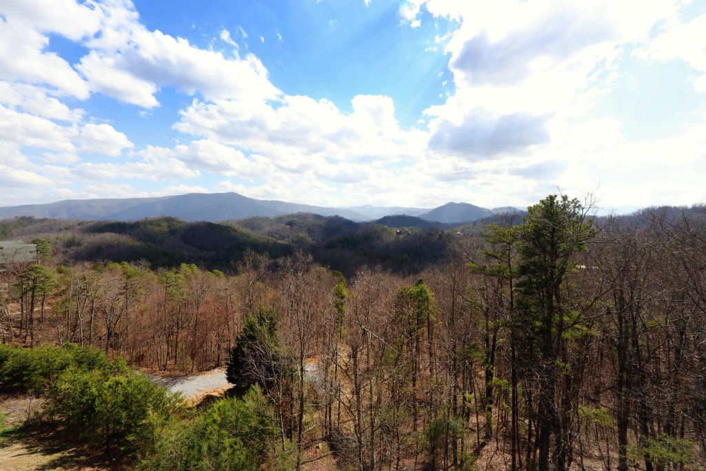 Photo of a Sevierville Cabin named Ridgetop Theatre Lodge - This is the forty-second photo in the set.