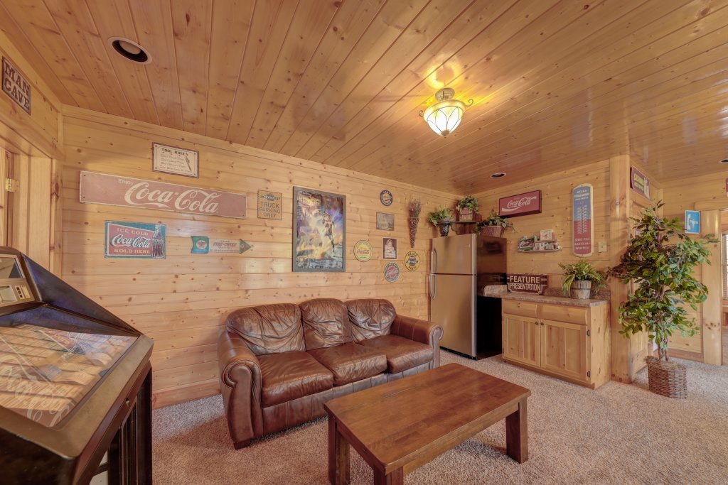 Photo of a Sevierville Cabin named Estate Of Relaxation - This is the forty-fourth photo in the set.