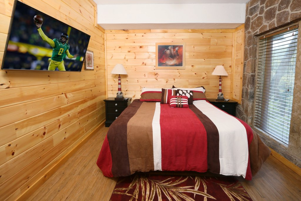 Photo of a Sevierville Cabin named Family Valley Lodge - This is the twenty-seventh photo in the set.