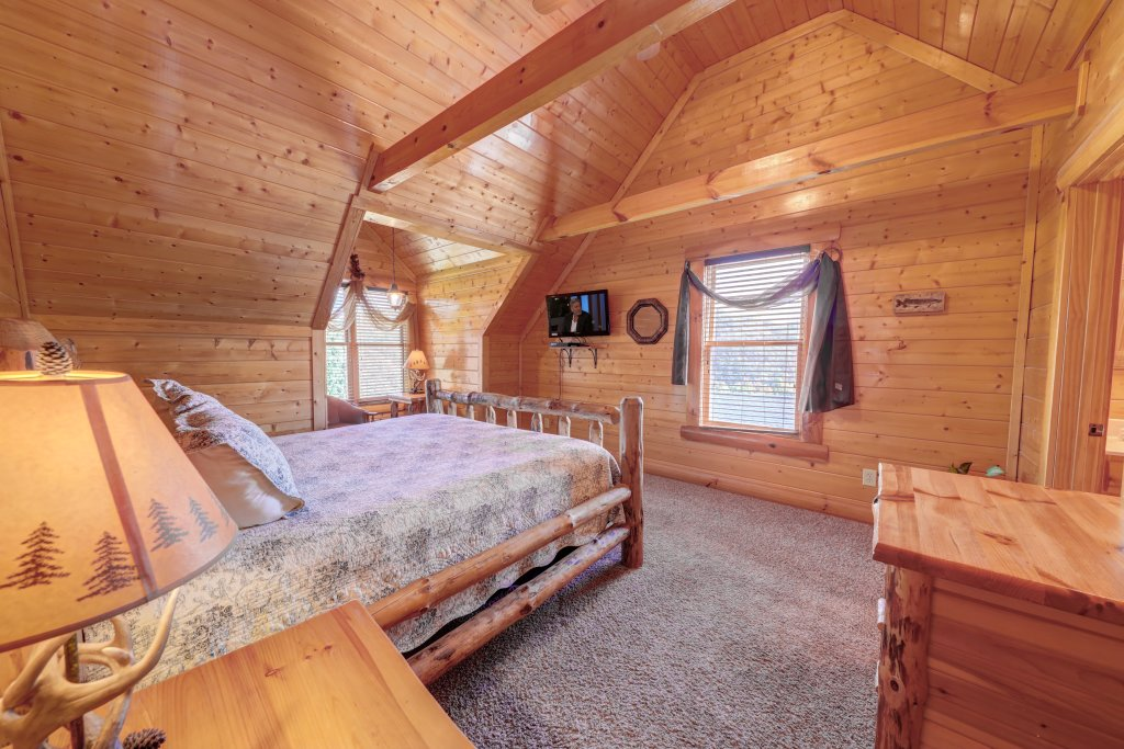 Photo of a Sevierville Cabin named Estate Of Relaxation - This is the thirty-fourth photo in the set.