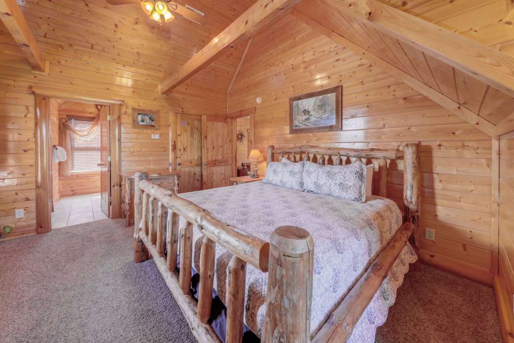 Photo of a Sevierville Cabin named Estate Of Relaxation - This is the thirty-sixth photo in the set.