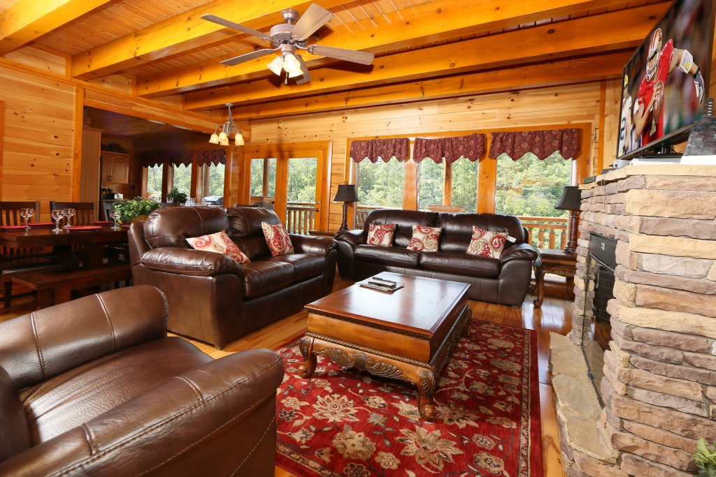 Photo of a Sevierville Cabin named Family Valley Lodge - This is the third photo in the set.
