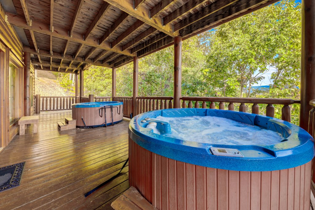 Photo of a Sevierville Cabin named Estate Of Relaxation - This is the fifty-fourth photo in the set.