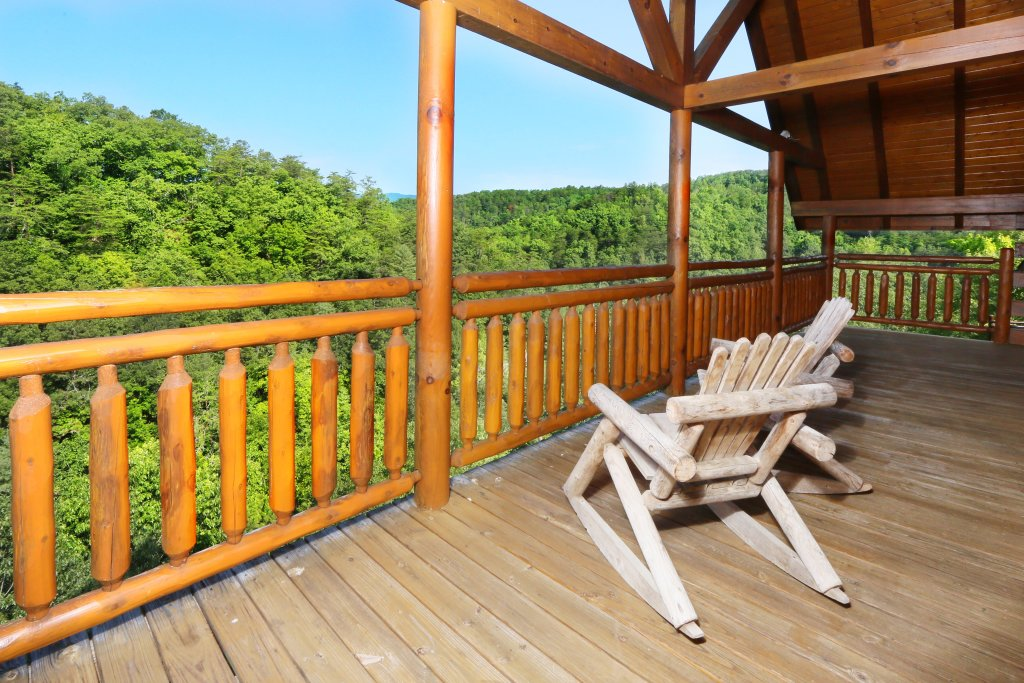 Photo of a Sevierville Cabin named Family Valley Lodge - This is the fifty-first photo in the set.