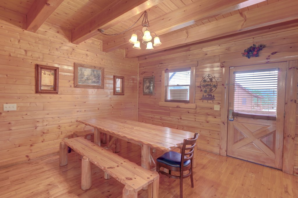 Photo of a Sevierville Cabin named Estate Of Relaxation - This is the forty-eighth photo in the set.