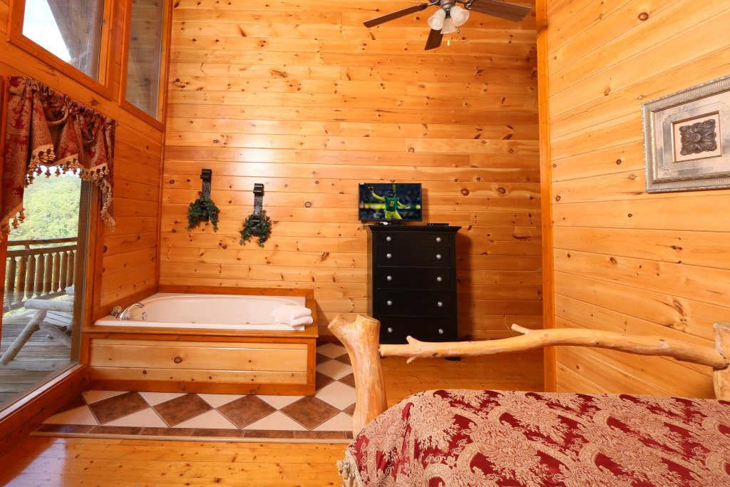 Photo of a Sevierville Cabin named Family Valley Lodge - This is the ninth photo in the set.