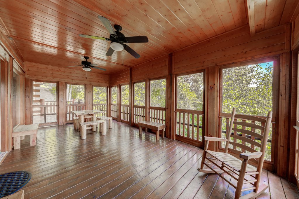 Photo of a Sevierville Cabin named Estate Of Relaxation - This is the fifty-first photo in the set.