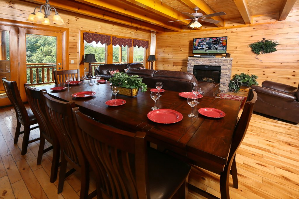 Photo of a Sevierville Cabin named Family Valley Lodge - This is the fortieth photo in the set.