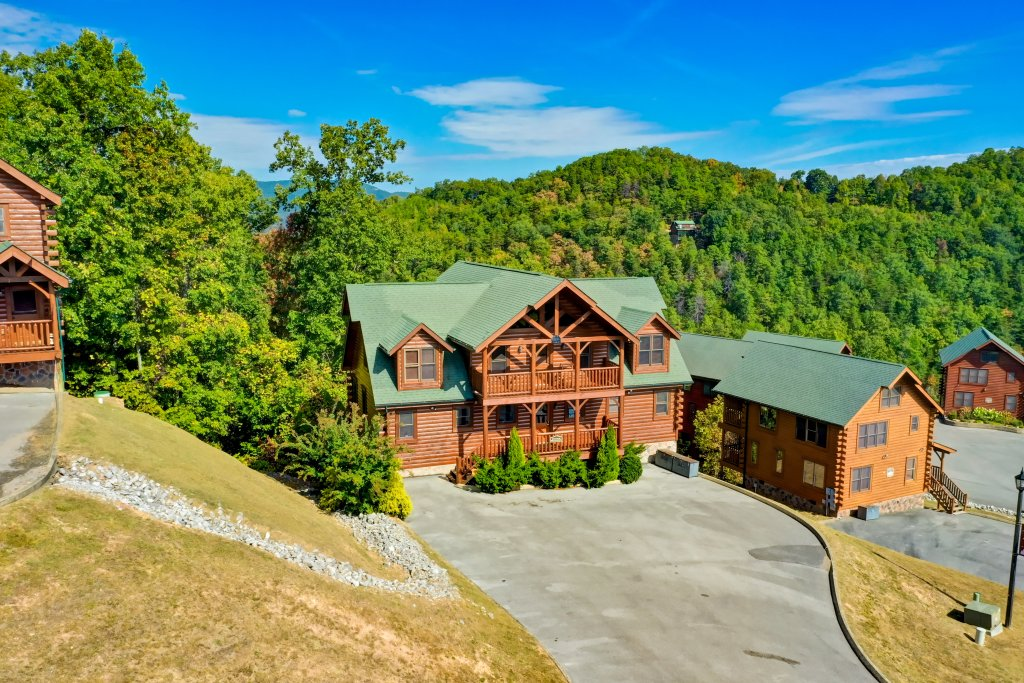 Photo of a Sevierville Cabin named Estate Of Relaxation - This is the sixtieth photo in the set.