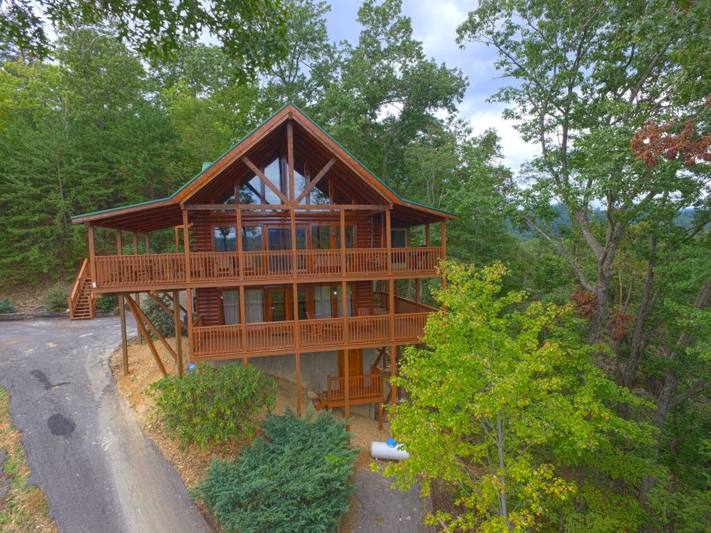 Photo of a Sevierville Cabin named Eagle's View #356 - This is the second photo in the set.