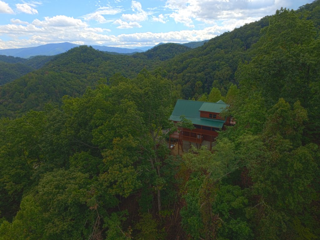 Photo of a Sevierville Cabin named Eagle's View #356 - This is the third photo in the set.