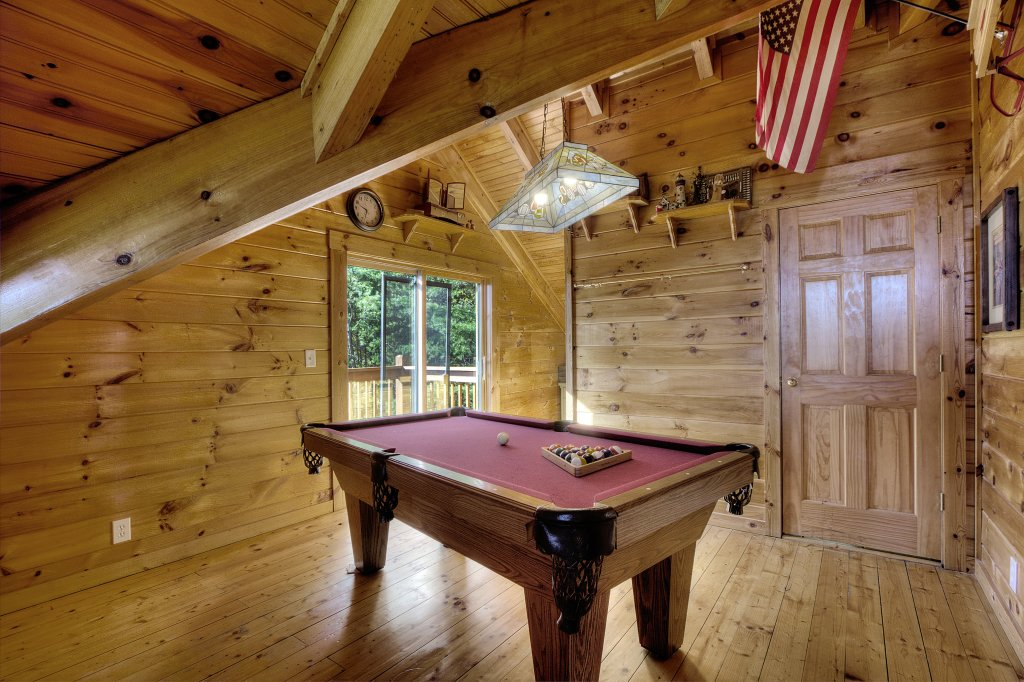 Photo of a Sevierville Cabin named Eagle's View #356 - This is the thirty-second photo in the set.