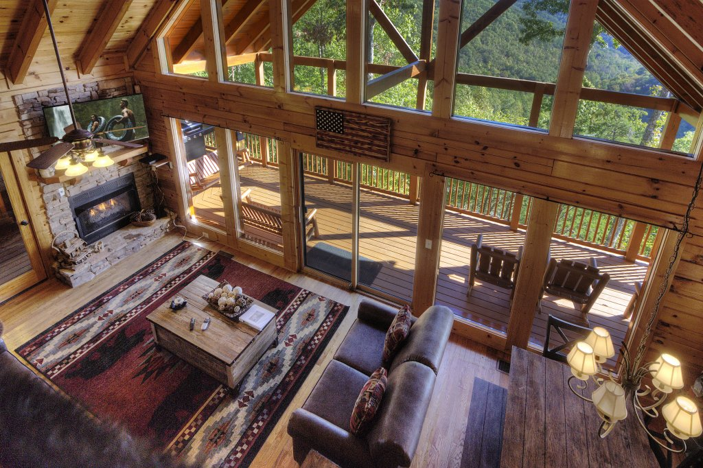 Photo of a Sevierville Cabin named Eagle's View #356 - This is the thirty-third photo in the set.