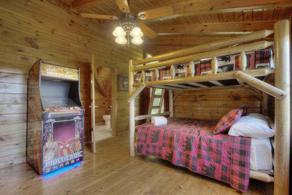 Photo of a Sevierville Cabin named Eagle's View #356 - This is the ninth photo in the set.