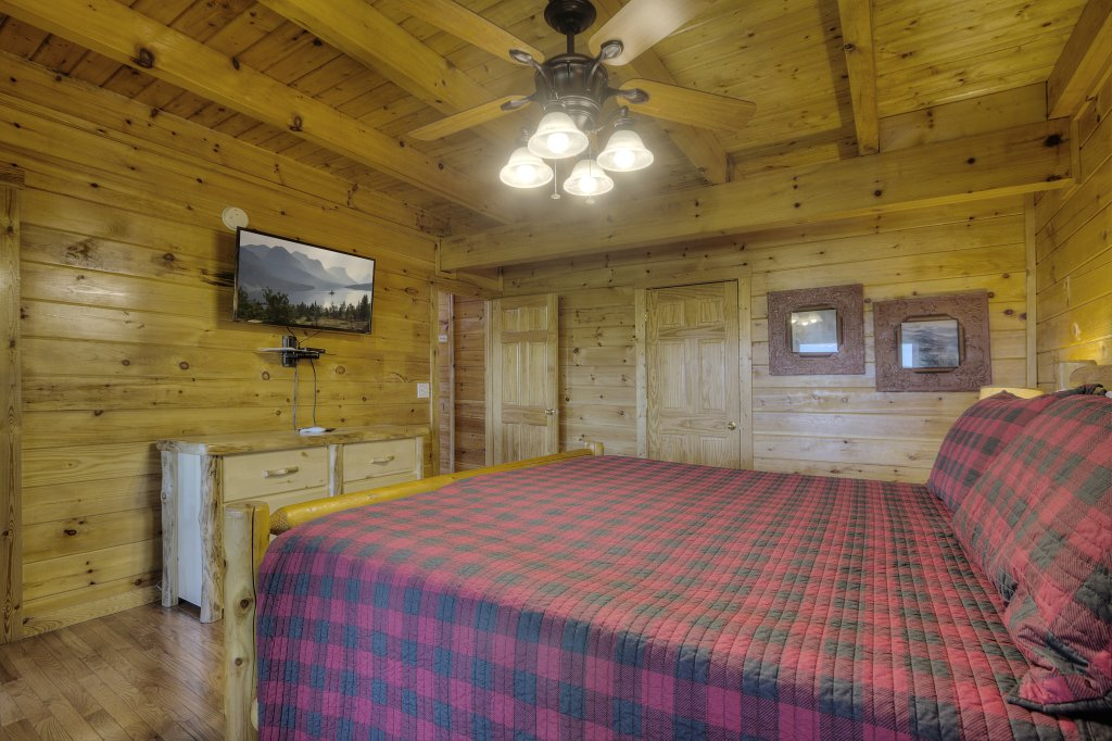 Photo of a Sevierville Cabin named Eagle's View #356 - This is the twenty-seventh photo in the set.