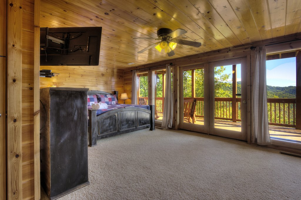 Photo of a Sevierville Cabin named Eagle's View #356 - This is the thirty-sixth photo in the set.