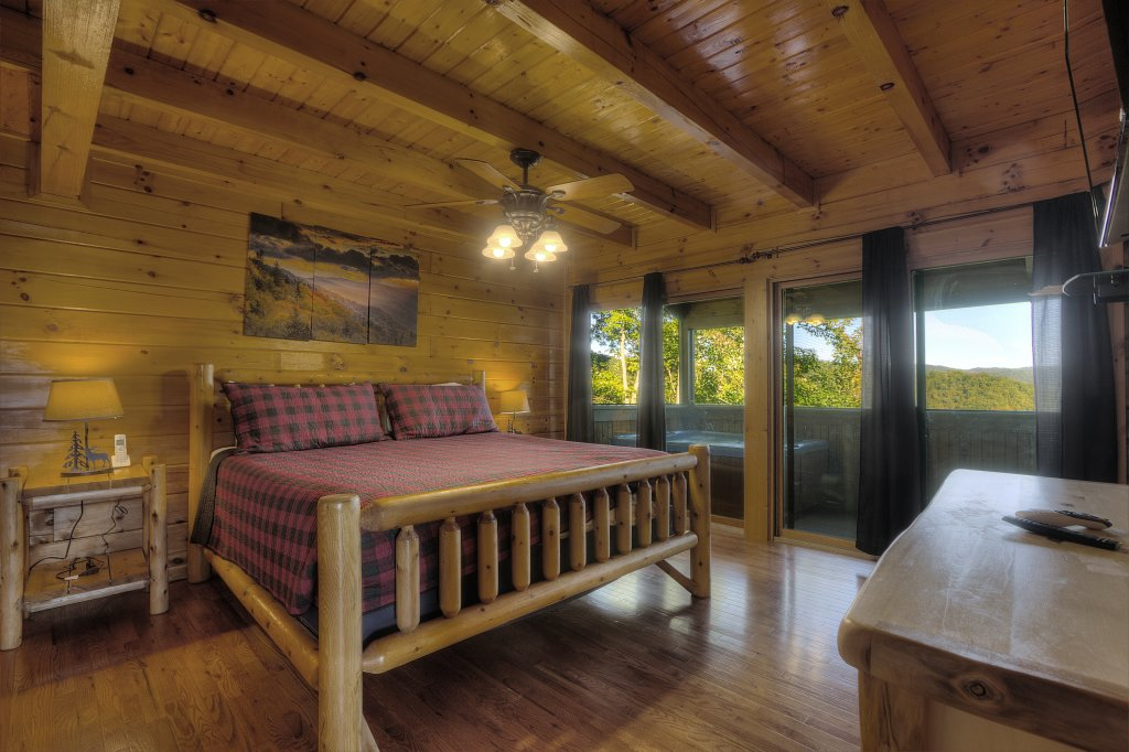 Photo of a Sevierville Cabin named Eagle's View #356 - This is the twenty-fifth photo in the set.