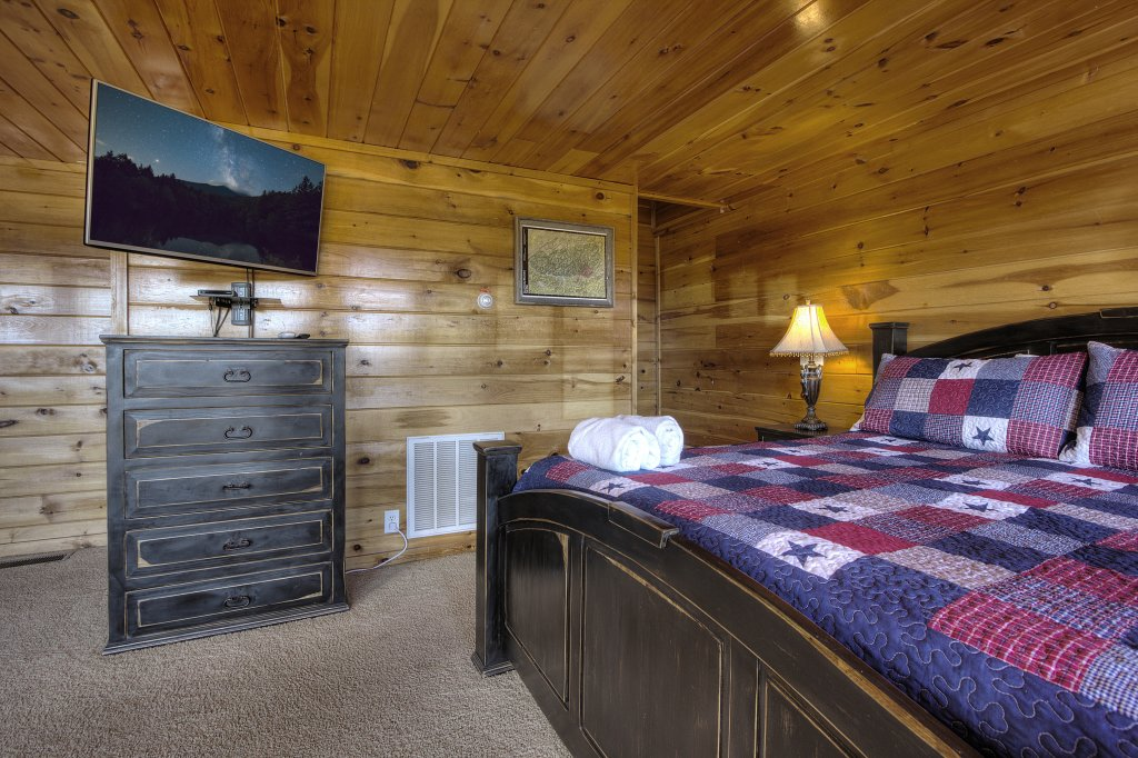 Photo of a Sevierville Cabin named Eagle's View #356 - This is the thirty-ninth photo in the set.