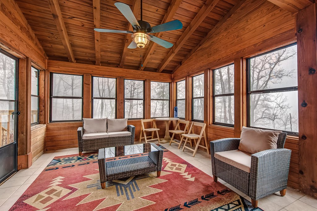 Photo of a Pigeon Forge Cabin named Mountain Vista Lodge - This is the tenth photo in the set.
