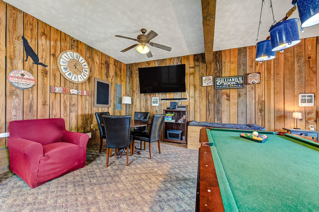 Photo of a Pigeon Forge Cabin named Mountain Vista Lodge - This is the twenty-fourth photo in the set.