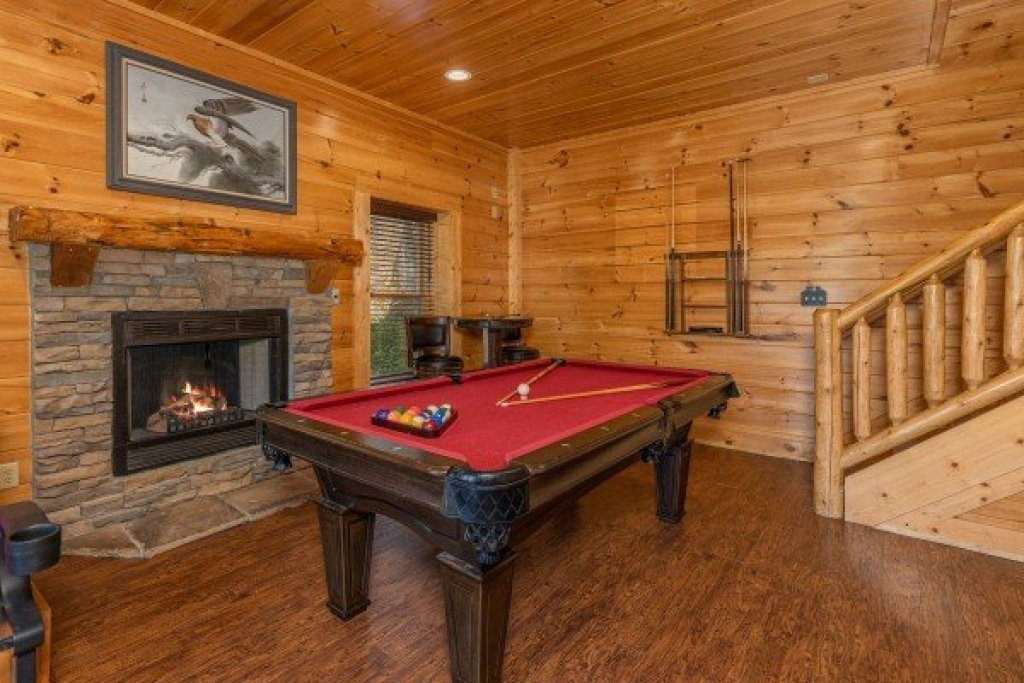 Photo of a Sevierville Cabin named Loving Every Minute - This is the twenty-second photo in the set.