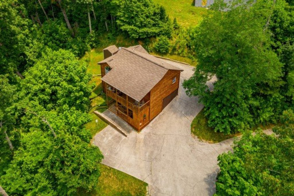 Photo of a Gatlinburg Cabin named High In The Smokies - This is the nineteenth photo in the set.