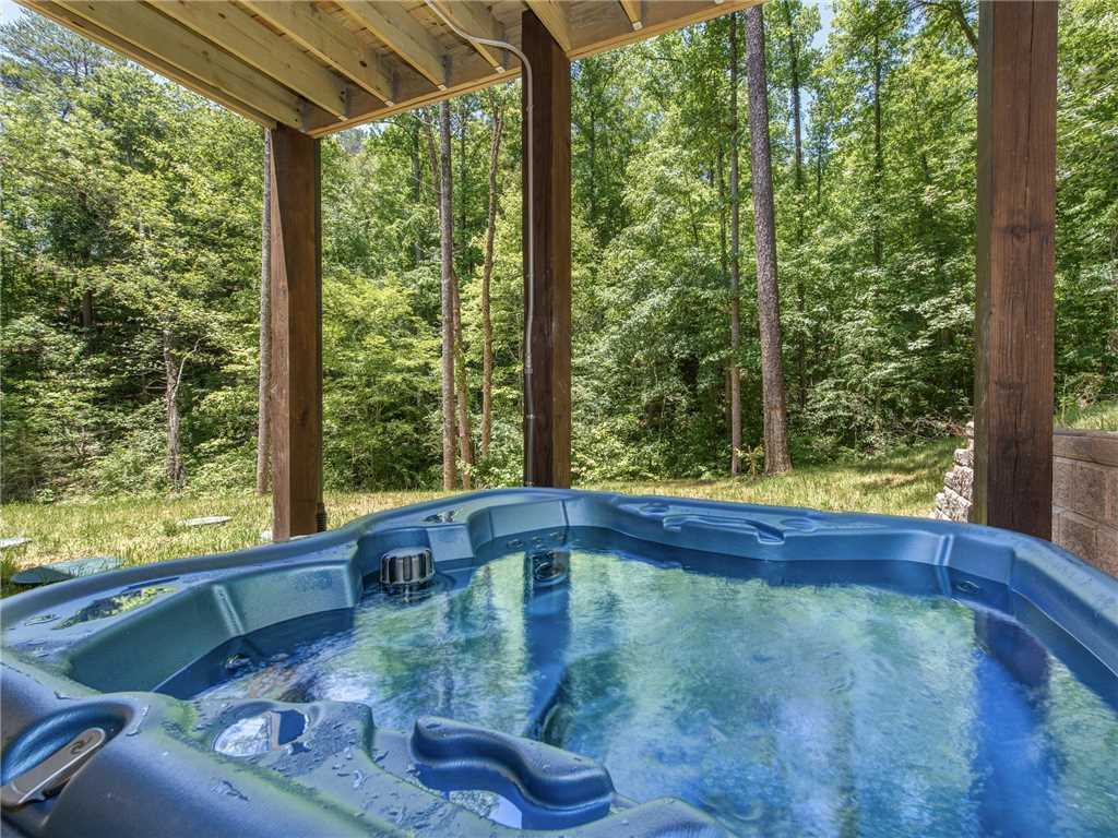 Photo of a Sevierville Cabin named Three Little Bears - This is the third photo in the set.