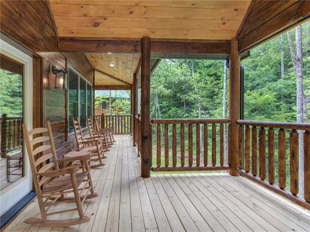 Photo of a Sevierville Cabin named Three Little Bears - This is the first photo in the set.