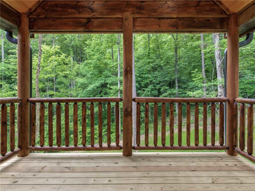 Photo of a Sevierville Cabin named Three Little Bears - This is the twenty-eighth photo in the set.
