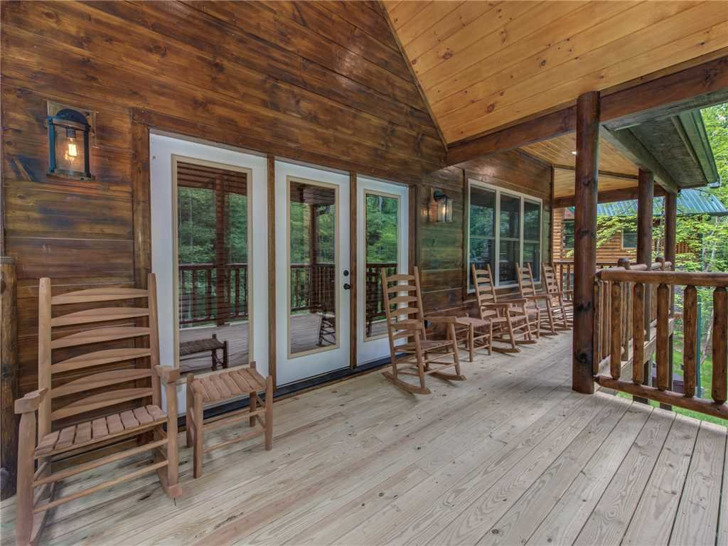Photo of a Sevierville Cabin named Three Little Bears - This is the twenty-third photo in the set.