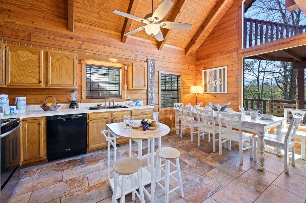 Photo of a Pigeon Forge Cabin named Misty Mountain - This is the eighth photo in the set.