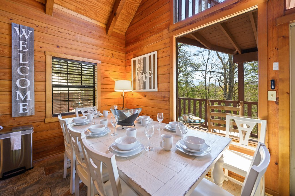 Photo of a Pigeon Forge Cabin named Misty Mountain - This is the fourth photo in the set.