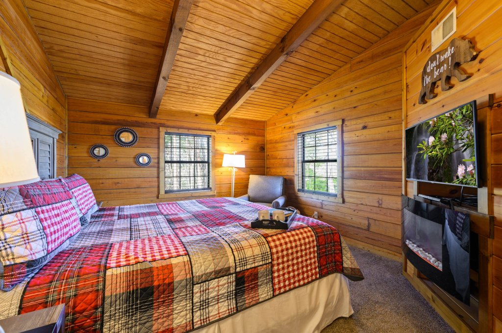 Photo of a Pigeon Forge Cabin named Misty Mountain - This is the sixth photo in the set.