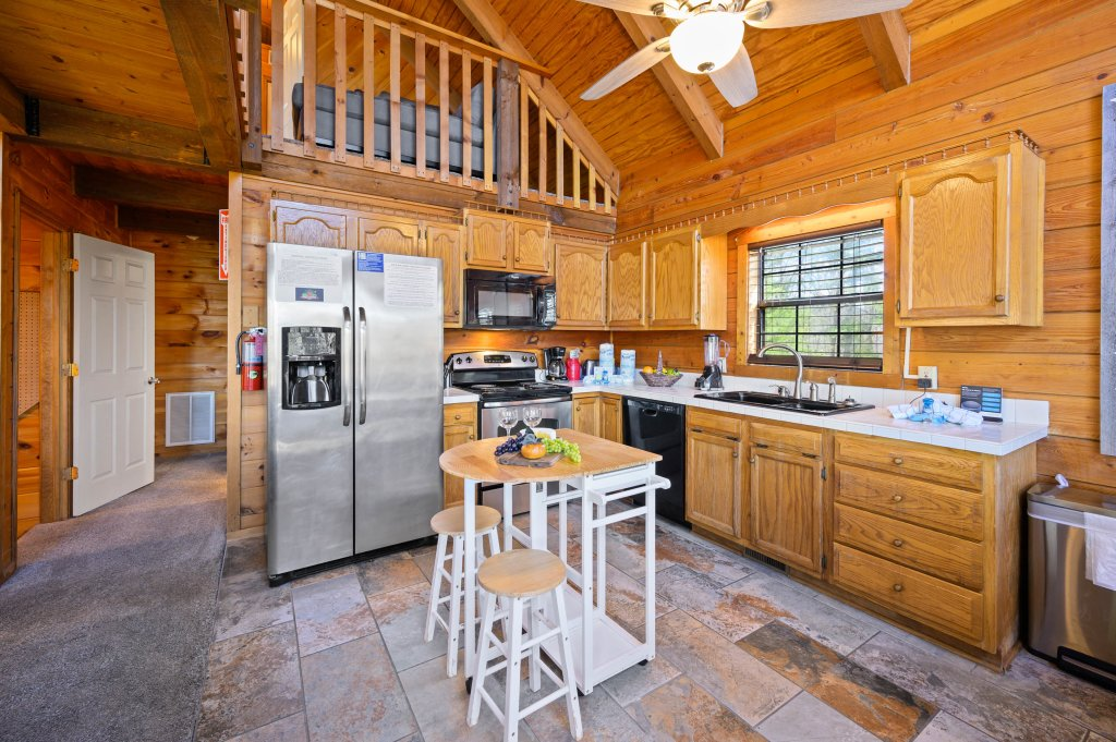 Photo of a Pigeon Forge Cabin named Misty Mountain - This is the seventh photo in the set.