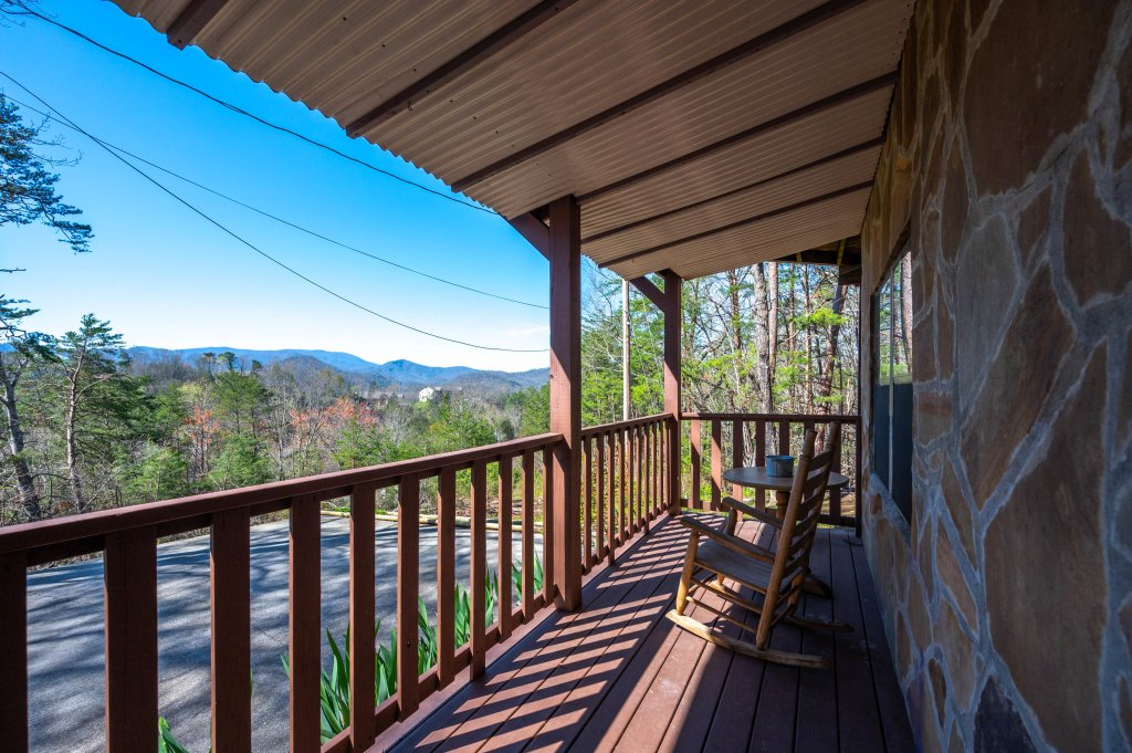 Photo of a Pigeon Forge Cabin named Misty Mountain - This is the sixty-second photo in the set.