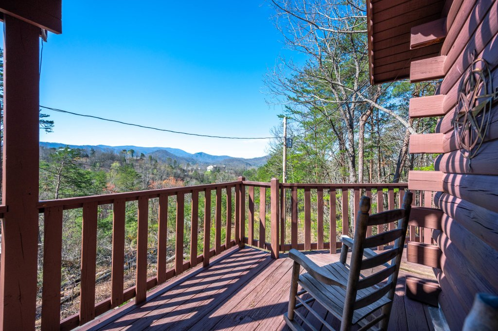 Photo of a Pigeon Forge Cabin named Misty Mountain - This is the sixty-fourth photo in the set.
