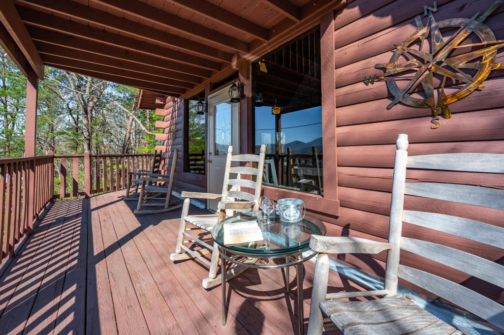 Photo of a Pigeon Forge Cabin named Misty Mountain - This is the sixty-sixth photo in the set.