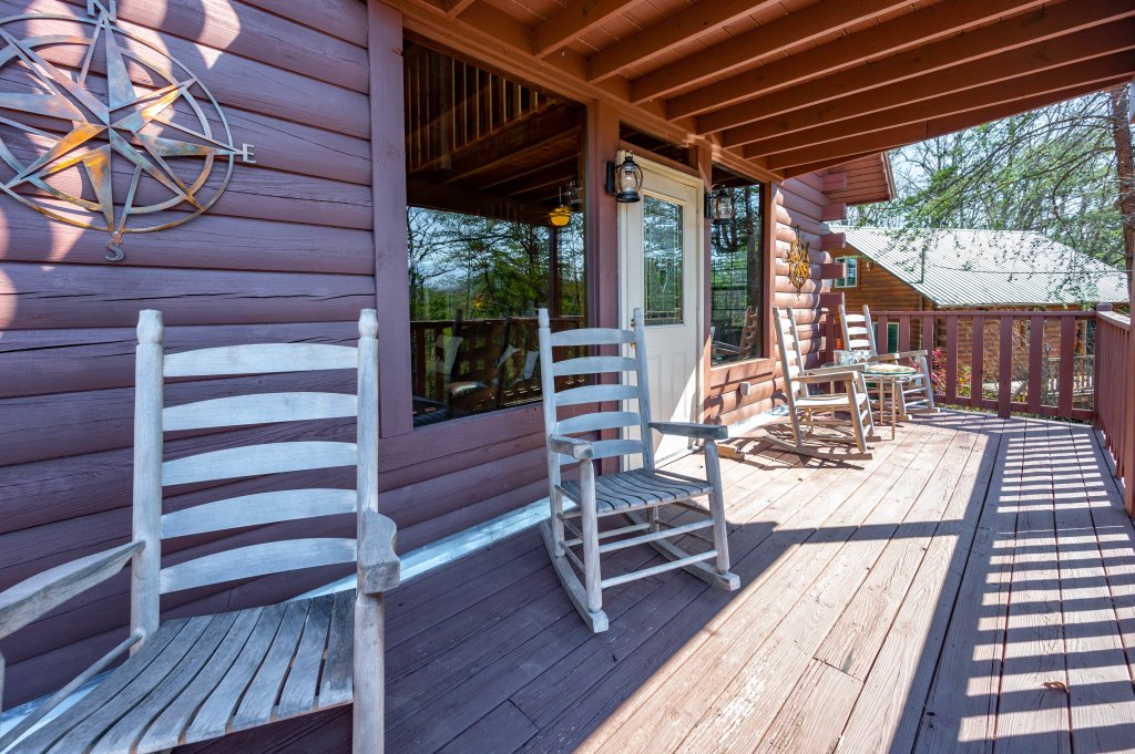 Photo of a Pigeon Forge Cabin named Misty Mountain - This is the sixty-fifth photo in the set.