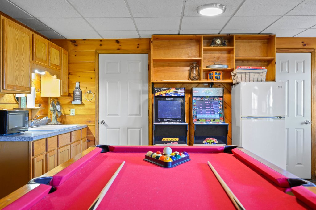 Photo of a Pigeon Forge Cabin named Misty Mountain - This is the sixty-first photo in the set.
