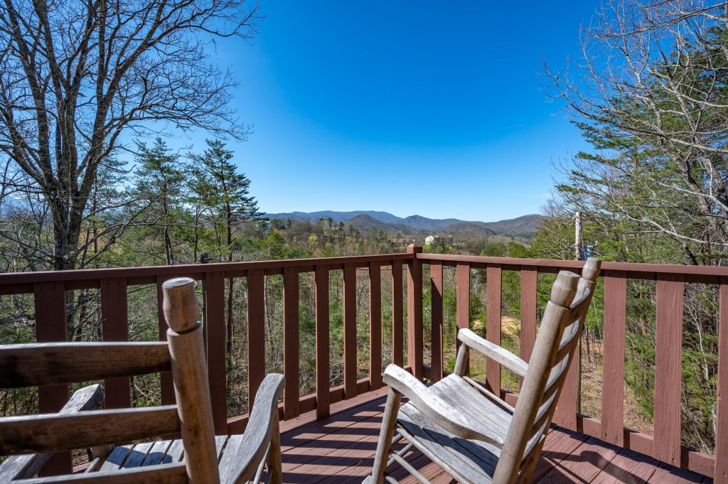 Photo of a Pigeon Forge Cabin named Misty Mountain - This is the eighty-first photo in the set.